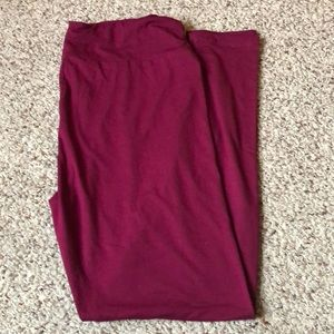 Lularoe New Release Red Plum solid TC Leggings NWT